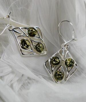 kolczyki srebrne próba 925 bursztyn zielony wiszące Elizabeth