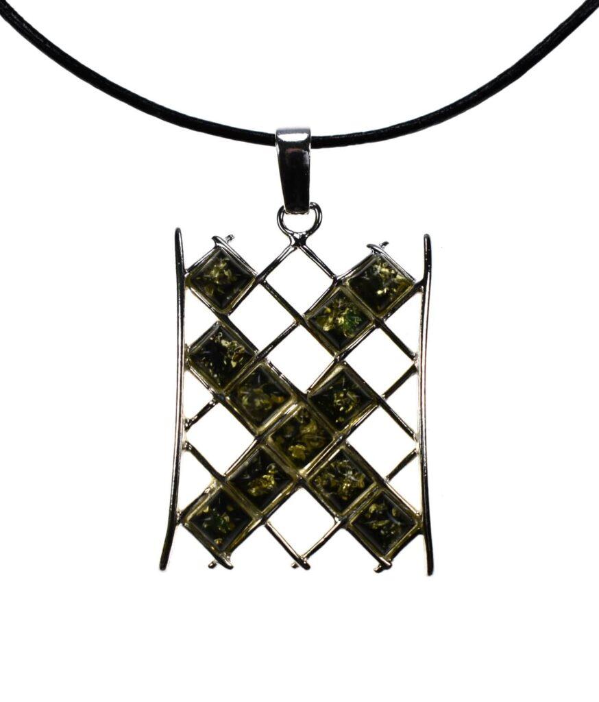 wisiorek duży srebrny próba 925 bursztyn zielony na rzemyku Monica