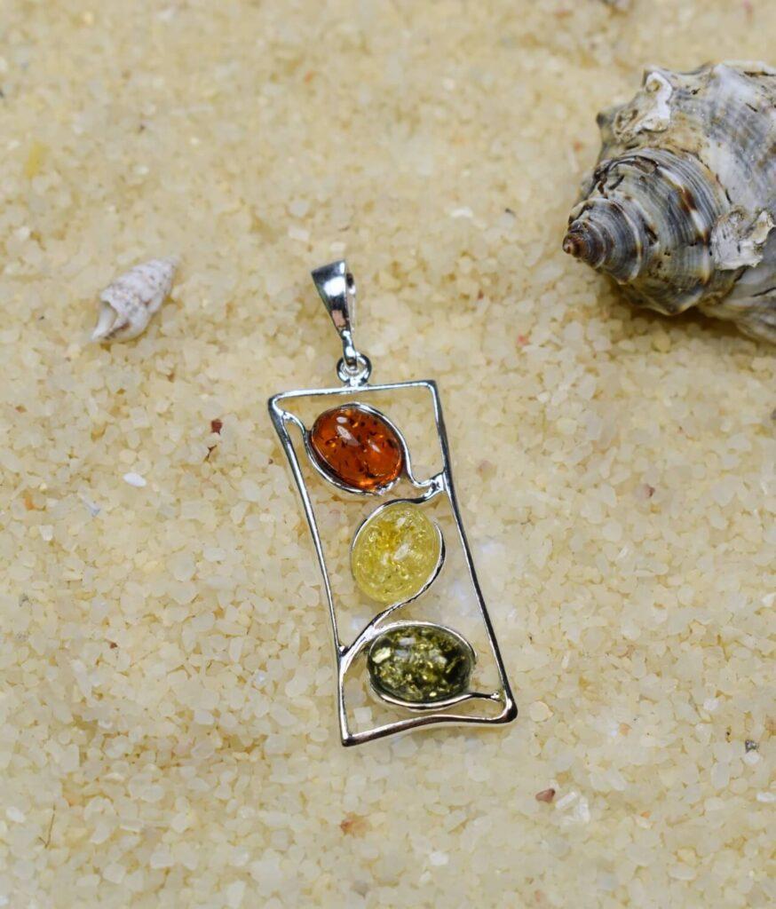 wisiorek mały srebrny próba 925 bursztyn mix kolorów Olivia