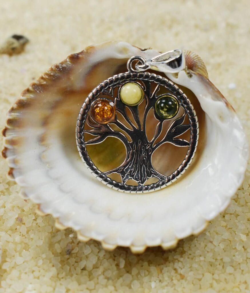 wisiorek srebrny próba 925 bursztyn mix kolorów z rzemykiem okrągły drzewko