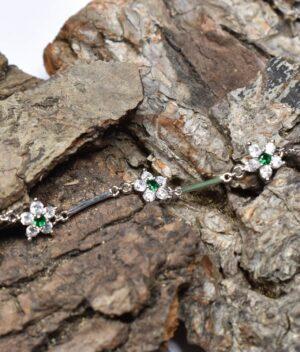 bransoletka srebro próba 925 cyrkonia biała szmaragdowe kwiatuszki na łańcuszku