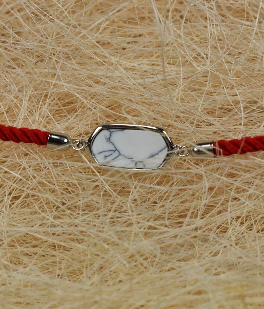 bransoletka srebro próba 925 howlitem prostokątna sznurkowa czerwona