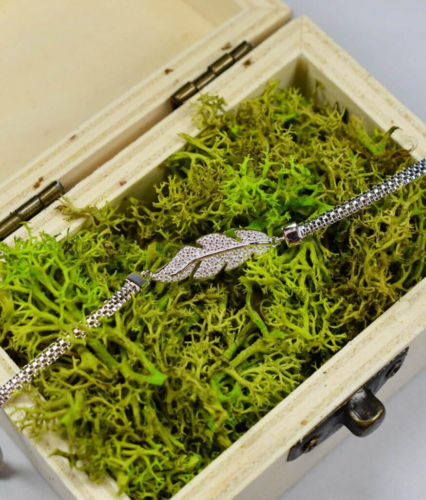 bransoletka srebro próba 925 z listkiem z cyrkoniami płaska żmijka