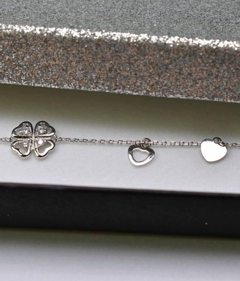 bransoletka srebro próba 925 z koniczynką cyrkoniami serduszkami na łańcuszku