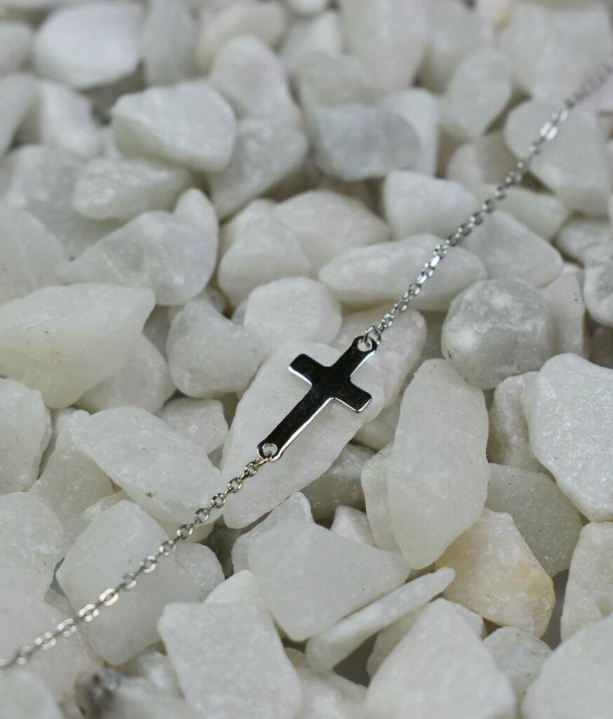 bransoletka srebro próba 925 z krzyżykiem gładkim na łańcuszku