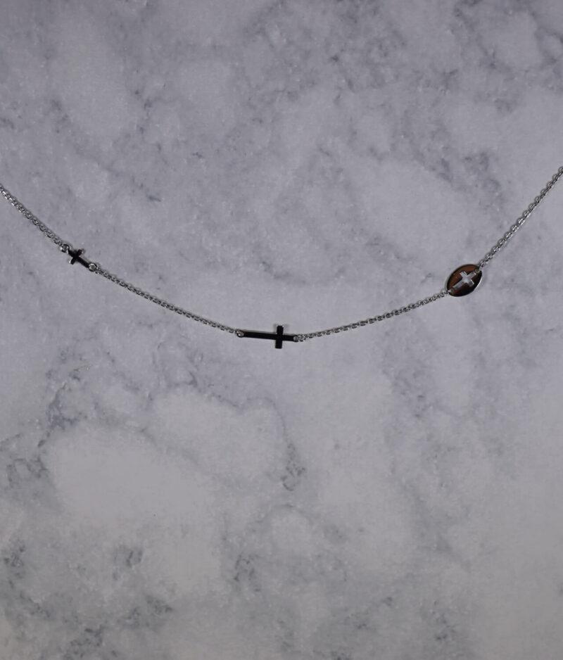 naszyjnik srebrny próba 925 z trzema krzyżykami gładki
