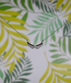 naszyjnik srebro próba 925 ze skrzydełkami i cyrkoniami połączone