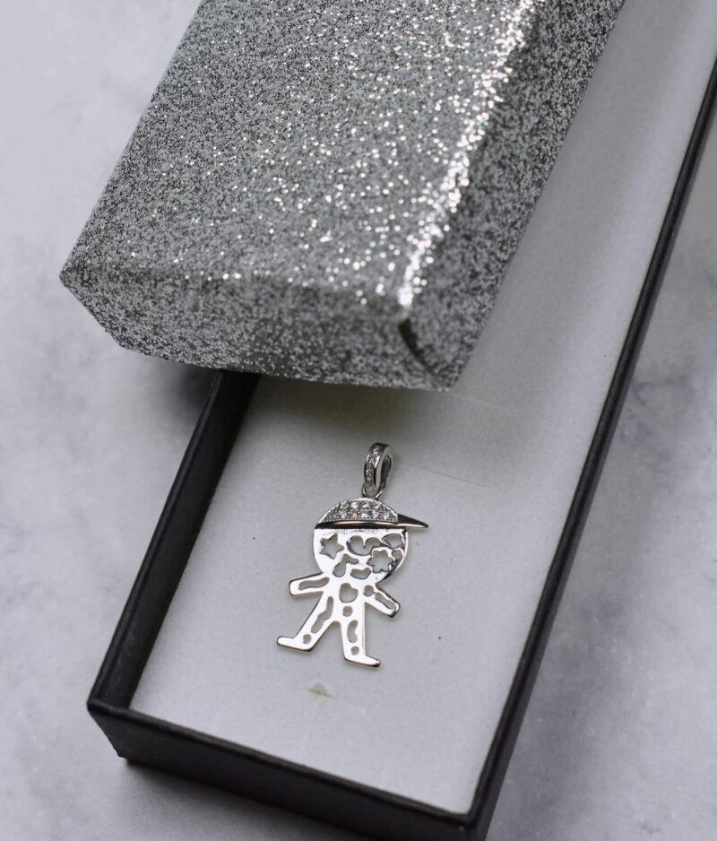 wisiorek srebrny próba 925 chłopczyk z cyrkoniami