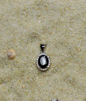 wisiorek srebrny próba 925 z czarną cyrkonią owalny