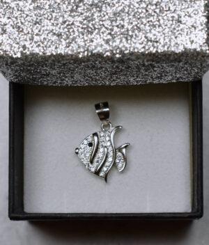 wisiorek srebrny próba 925 z rybką i cyrkoniami mały