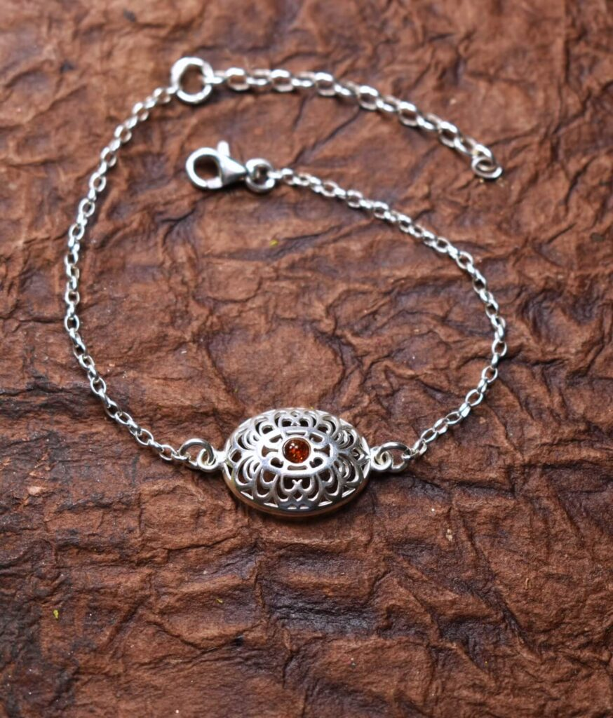 bransoletka srebrna próba 925 bursztyn koniak na łańcuszku ażur owalny