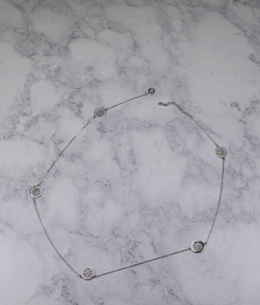 naszyjnik srebrny próba 925 z kółeczkami rozetki gładkie