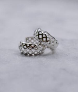 kolczyki srebrne próba 925 Checkered zapięcie angielskie na klik gładkie