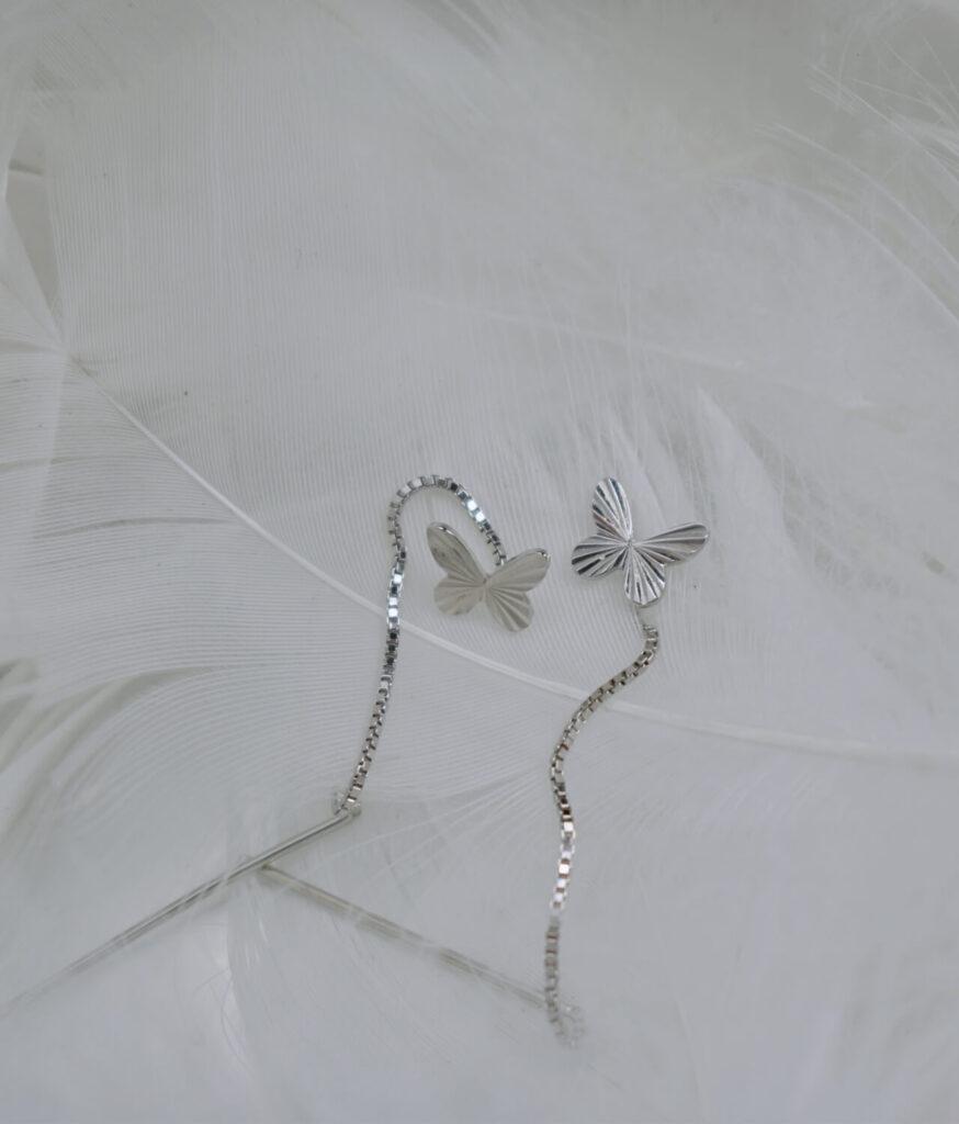 kolczyki srebrne próba 925 Motylek przeciągane przez ucho gładkie