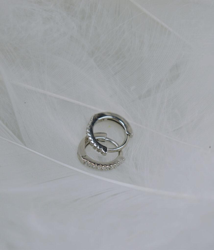 kolczyki srebrne próba 925 Shining Star zapięcie angielskie cyrkonie białe
