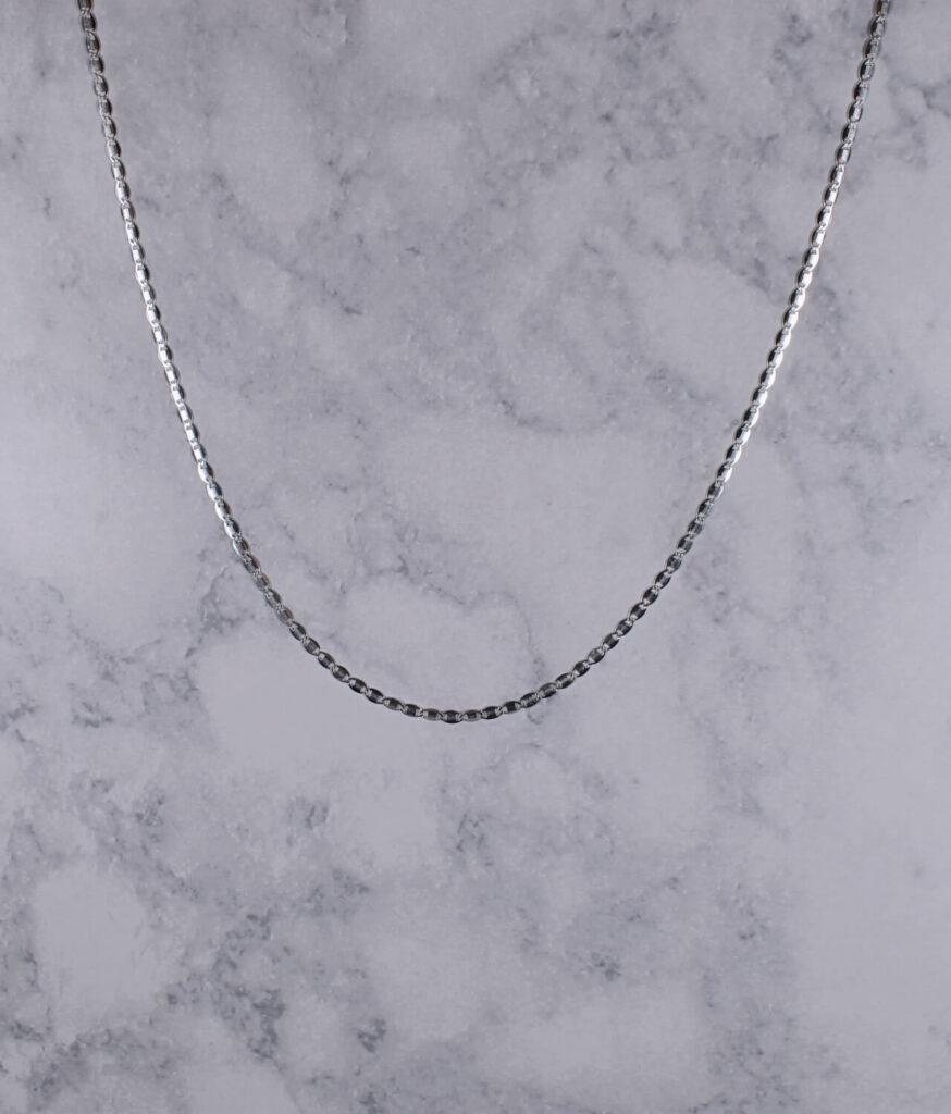łańcuszek srebrny próba 925 ozdobny rodowany gładka blaszka długość 45cm