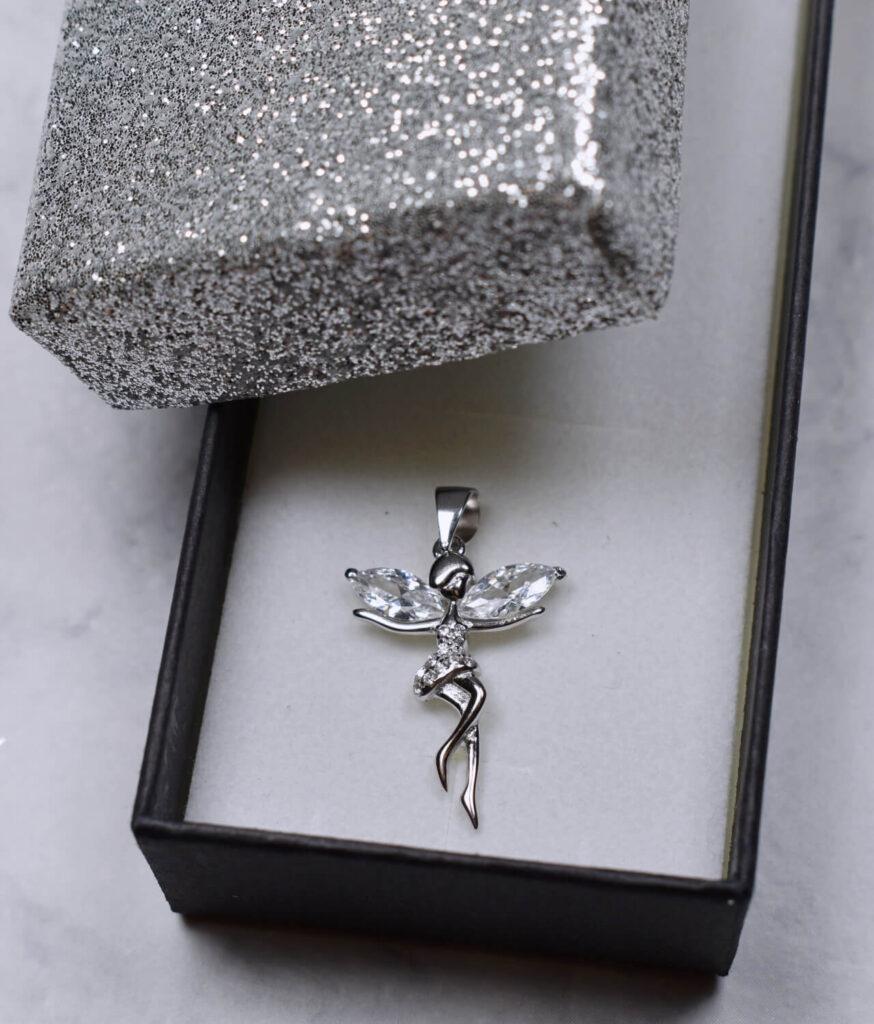 wisiorek srebrny próba 925 elfik z cyrkoniami rodowane