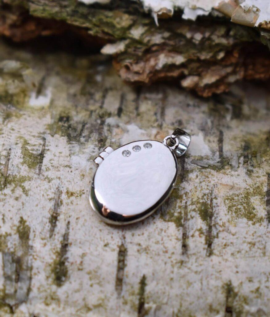 wisiorek srebrny próba 925 owalne puzderko rodowany