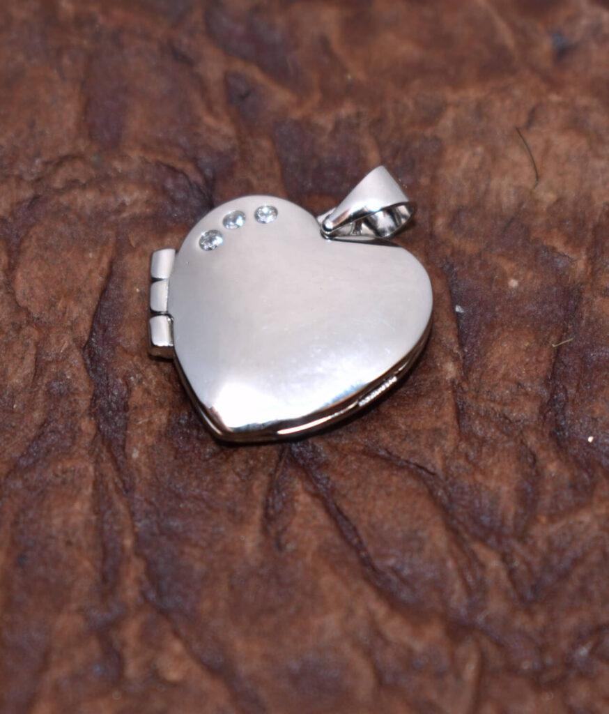 wisiorek srebrny próba 925 puzderko serduszko rodowany
