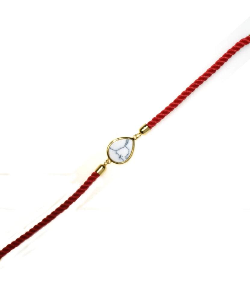 bransoletka srebrna próba 925 pozłacana z howlitem łezka sznurkowa czerwona